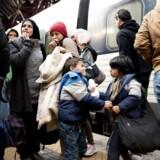 Formålet at »fjerne grundlaget for menneskesmuglere og samtidig lette presset på Europas ydre grænser,« som det hedder i regeringsgrundlaget.