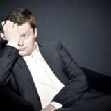 Portræt af komikeren Lasse Rimmer, vært i programmet 'Den blinde vinkel'