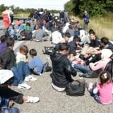Landsretten skal høre sagen om en pressefotograf, der nægtede at forlade en motorvej under flygtningekaos.