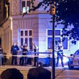 Politiet på stedet kort efter en skudepisode i Stengade ved Folkets Park sent torsdag aften, hvor der blev skudt under den igangværende bandekonflikt.