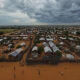 Kenyas højesteret erklærer beslutning om at lukke flygtningelejren Dadaab med over en kvart million mennesker for ugyldig.