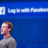 Ifølge seniorjurist i Forbrugerrådet Tænk, Anette Høyrup, er Facebooks omgang med dine oplysninger i strid med loven. Hun retter især skarp kritik mod det sociale medies samtykkeerklæring, der er på længde med en roman og giver en række beføjelser, som ifølge seniorjuristen er ulovlige. / AFP PHOTO / Josh Edelson