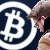 Efter en nedtur i starten af måneden er verdens største kryptovaluta, bitcoin, igen kommet op i de femcifrede niveauer målt på værdien i amerikanske dollar.