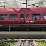 12 uger kører der ingen S-tog mellem Frederikssund og Valby, og 6 uger kører der ingen tog på Kystbanen mellem Helsingør og Hellerup, når sommerens store sporarbejder står på fra juni til august.