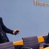 Mandag morgen chokerede partichef Frauke Petry både partifæller og medier på en pressekonference i Berlin REUTERS/Fabrizio Bensch