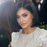 Kylie Jenner har 25 millioner følgere på de sociale medier, så der bliver lyttet, når hun giver lyd fra sig.