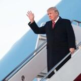 Donald Trump vil underskrive en revideret udgave af indrejseforbud, hvor Irak ikke længere figurerer, siger en kilde i Det Hvide Hus til nyhedsbureauet Reuters. / AFP PHOTO / NICHOLAS KAMM
