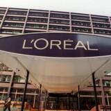 Kosmetikgiganten L'Oreal køber det kinesiske makeup-firma ModiFace, som bruger kunstig intelligens til at hjælpe forbrugere med at lægge makeup.