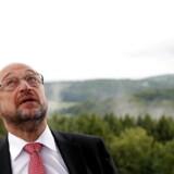 Merkel er »kynisk«, når hun dukker sig for problemerne. Socialdemokraten Martin Schulz langer nu ud efter Angela Merkels flygtningepolitik.