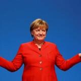 Angela Merkel skal nu forsøge at danne en regering. Søndagens tyske valg efterlader Merkel i en vanskelig situation. Arkivfoto: (Foto: Kai Pfaffenbach/Scanpix 2017)