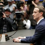 11. april, da Facebookstifteren og CEO, Mark Zuckerberg, skulle forklare sagen om Cambrigde Analytica.