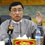 Flygtninge kan vende hjem nu, siger velfærdsminister i Myanmar efter et møde med kollega fra Bangladesh.