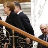 Ukraines præsident Petro Porosjenko, Tysklands kansler Angela Merkel, Frankrigs præsident Francois Hollande, Hvideruslands præsident Alexander Lukashenko og Ruslands præsident Vladimir Putin er samlet ved mødet i Minsk.