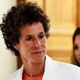 Kvinden, der er i centrum i retssagen mod den amerikanske skuespiller og komiker Bill Cosby, aflagde fredag vidneudsagn. Corey Perrine/Pool via Reuters