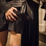 Undersøgelse viser, at især kvinder føler sig krænket, når de bliver udsat for ufrivillig berøring i nattelivet. ILLUSTRATION fra det københavnske natteliv, torsdag den 18. august 2016.