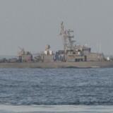 ARKIVFOTO FRA 2015: Det amerikanske patruljefartøj USS Thunderbolt i den Persiske Golf. USS Thunderbolt har i dag. den 25. juli, affyret varselsskud mod et iransk flådeskib - også i den Persiske Golf.