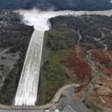 En rapport fra ti år siden viser nu, at myndighederne var blevet gjort opmærksomme på Oroville-dæmningens svage punkt, men afviste indsigelserne. AFP PHOTO / JOSH EDELSON