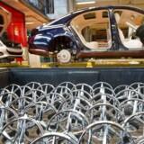 Daimler var ifølge flere tyske medier den første til at underrette konkurrencemyndighederne om et muligt kartelsamarbejde mellem fem tyske bilproducenter.