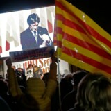 Carles Puigdemonts virtuelle tilstedeværelse ved et vælgermøde tirsdag minder Berlingskes korrespondent om scener fra en tidlig Star Wars-film.