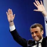 Emmanuel Macron, leder af partiet En Marche ! (stiftet af Macron selv i 2016) er populær blandt danske og Europæiske politikere. Både Lars Løkke Rasmussen (V), Nicolai Wammen (S) og Tysklands udenrigsminister Sigmar Gabriel har ønsket ham tillykke og udtrykt ønske om, at han sejrer over højrefløjskandidaten Marine Le Pen.