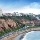 Arkivfoto. En kæmpe Kristusfigur i udkanten af Lima, der blev opført som led i et brasiliansk entreprenørfirmas bestikkelse, skal væk, kræver både meningsdannere og almindelige peruanere.
