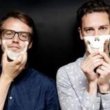På universitetet udviklede Casper Slot (th.) og Martin Bonde Jensen (tv.) nogle helt særlige knogleimplantater, som er fundamentet for den virksomhed, de nu vil opbygge.
