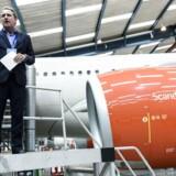 Lars Sandahl Sørensen, koncerndirektør i SAS, forklarer, at en stor del af SAS' aflysninger i år skyldes problemer med de såkaldte Air Traffic Controllers – de personer, der fra jorden styrer flytrafikken – som har ført til mandskabsmangel.