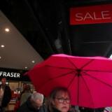 House of Frasers flagskibsbutik på Oxford Street står til at blive lukket ned, fordi stormagasinkæden er i alvorlige økonomiske problemer.