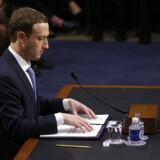 Facebook har fjernet otte Facebook-sider, 17 Facebook-profiler og syv Instagram-profiler, som angiveligt var falske.