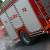 En 41-årig brandmand mistede torsdag livet, da en tankvogn bakkede hen over ham under slukning af en markbrand. Colourbox/arkiv/Free