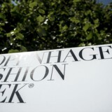 Skilte med Copenhagen Fashion Week står fremme på Højbro Plads i København, tirsdag den 31. juli 2018. Copenhagen Fashion Week afvikles fra den 7-10. august 2018.. (Foto: Mads Claus Rasmussen/Ritzau Scanpix)