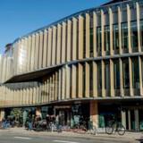 Indvielse af Tivoli Hjørnet i København, fredag den 17. november 2017. Efter 14 års tilløb står det nye 6000 kvadratmeter store Tivoli Hjørnet klar til at modtage gæster og Tivoli Hjørnet består blandt andet af to restauranter, café, designbutik og en betragtelig udvidelse af Nimb Hotel. Derudover er der Tivoli Hjørnet Tivoli Food Hall, som er 15 madstader drevet af anerkendte madaktører. Det er Tivolis største investering nogensinde.. (Foto: Mads Claus Rasmussen/Scanpix 2017)