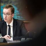 RB PLUS Lunde kalder brugen af aktindsigt en sygdom- - Se RB 12/4 2017 09.10. Lunde kalder brugen af aktindsigt en sygdom. Knap en uge efter at miljø- og fødevareminister Esben Lunde Larsen (V) modtog en alvorlig politisk næse fra Folketinget, er han nu igen kommet i problemer.. (Foto: Ida Guldbæk Arentsen/Scanpix 2017)