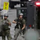 De amerikanske myndigheder har efter skudepisoden efterlyst først to, derefter en, ekstra mistænkte gerningsmænd, men nu lyder meldingen altså fra borgmester Vincent Gray, at gerningsmanden handlede alene, skriver nyhedsbureauet Reuters.