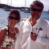 Så lykkelige så Janni Spies og Christian Kjær ud under et ferieophold på deres egen private ø, Great st. James, i Caribien. Siden er parret blevet skilt, og nu starter retsopgøret om 135 mio. kr. plus renter, som Janni Spies kræver af sin eks-mand.