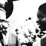 Dag Hammarskjöld hilser i juli 1960 på Moise Tshombe, der ledede Katanga provinsen i det tidligere Belgiske Kongo.AFP PHOTO / STF