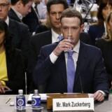 »Mark Zuckerberg klarede det superflot kommunikativt. Han havde held til at smile og være overskudsagtig. Han lagde sig fladt ned flere gange, og på den måde var det et indrømmende Facebook, han kom med, og et Facebook, der har vist sig klar til at diskutere fundamentale principper, han gik derfra med,« vurderer Benjamin Rud Elberth.