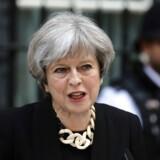 Det Konservative Parti med Theresa May i spidsen står ifølge måling til at få 45 procent af stemmerne ved det kommende valg. REUTERS/Kevin Coombs