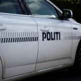 Politiet modtog klokken 14 søndag en anmeldelse om, at et fly er styrtet ned på en flyveplads ved Ringsted. Free/Colourbox