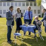 DR1 samler fem danske statsministre. 27. august kl. 20.00 på DR1: For første gang nogensinde mødes de fem senest siddende statsministre for at tale om, hvordan det er at bestride jobbet som landets øverste politiske leder.