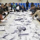 Stemmerne optælles til landstingsvalget i Godthåbshallen i Nuuk, Grønland.
