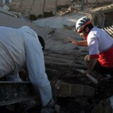 Landsbyer i Iran har ikke på forhånd været sikret mod jordskælv. Men stor beredskabstjeneste giver krisehjælp.