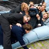 Videnskabsminister Helge Sander (V) tumlede rundt med en række kendte danskere, da sidste års kampagne Netsikker.nu blev lanceret i uge 40. I år har det centrale netsted i kampagnen været ramt af et sikkerhedsproblem. Foto: Keld Navntoft, Scanpix