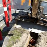 De mange tusinde kilometer fibernet, som elselskaberne har gravet ned i Danmark, er mestendels lukket for, at andre kan leje sig ind og tilbyde internetforbindelser, TV og telefoni. Arkivfoto: Nils Meilvang, Scanpix