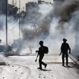 Israelske tropper i konflikt med palæstinensiske demonstranter i Ramalllah efter Trumps anerkendelse af Jerusalem som Israels hovedstad.