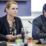 Regeringen ventes inden længe at indkalde til forhandlinger om nye udlændingestramninger. Her ses udlændingeminister Inger Støjberg (V) og DF-udlændingeordfører Martin Henriksen.