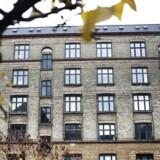 Selvom seks danske landsdele sidste år slog rekord med det laveste antal begærede første tvangsauktioner i 10 år, og antallet af tvangsauktioner generelt er faldende, er det fortsat nogle ganske bestemte dele af landet, hvor mange huse bliver kaldt i fogedretten.