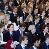 Unges problemer med angst og stress skyldes, at voksne ikke vil påtage sig voksenrollen over for de unge, men er undervisningsminister Merete Riisager (LA). Arkivfoto fra FN-konference for gymnasieelever Birkerød Gymnasium.