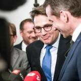 Brian Mikkelsen og Kristian Jensen iFinansministeriet d. 02.05.2017. En aftale om fremtidens boligskattesystem blev præsenteret på et pressemøde.