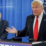 Donald Trump og sherif Joe Arpaio i baggrunden.
